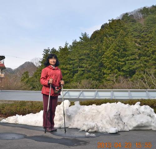 斎藤ホテル前の残雪
